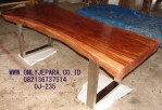 Meja Slab Kayu Trembesi Stainless Natural